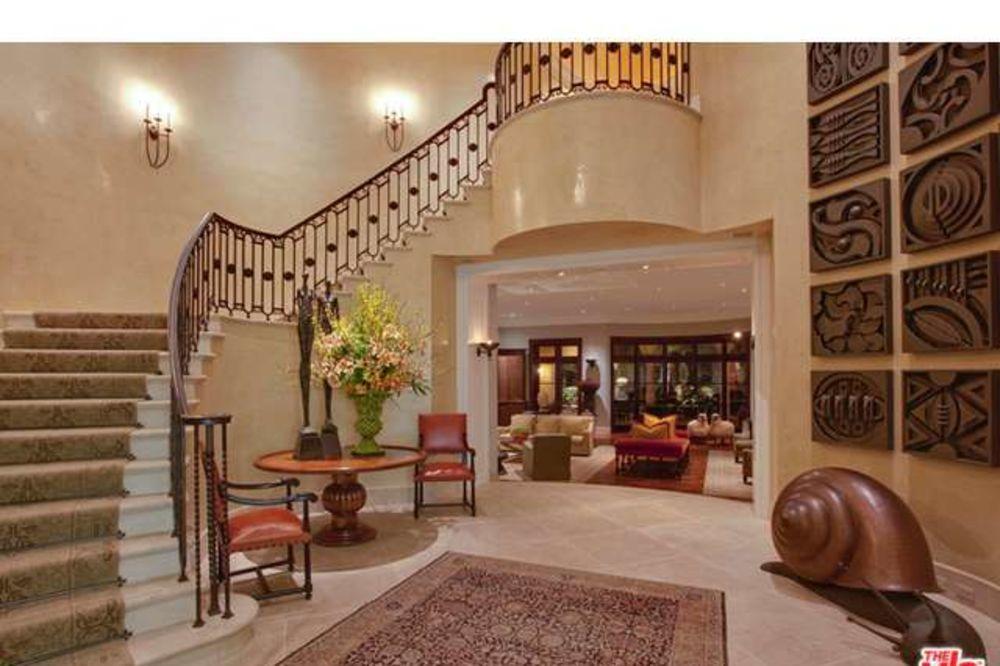 Zavirite u novu kuću Elton Johna od 34 miliona dolara (FOTO)