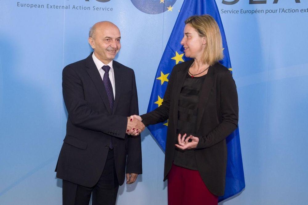 PREDSTAVNICI EU U PRIŠTINI: Priznaju se samo kosovski pasoši, ZSO neće biti paralelna vlast