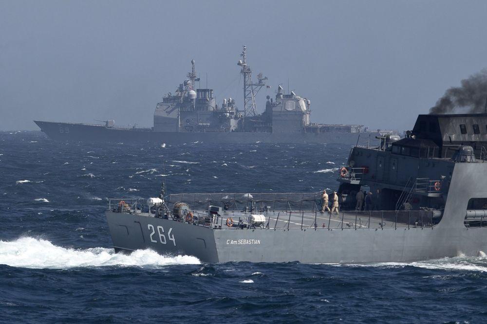 (VIDEO) BORBA TITANA: Sukob ruske nuklearne krstarice i američkog bojnog broda!
