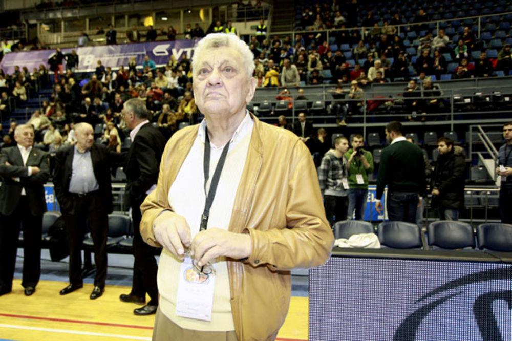 (VIDEO) RANKO SAČUVAO ZLATNO SVEDOČANSTVO: Samo Žeravica imao zapisnik sa finala Igara u Moskvi