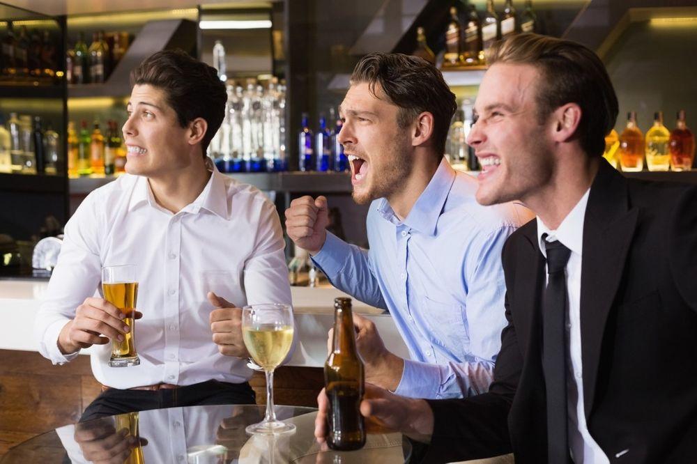 DOKAZANO I ISPROBANO: Muškarci koji piju pivo imaju bolju erekciju!
