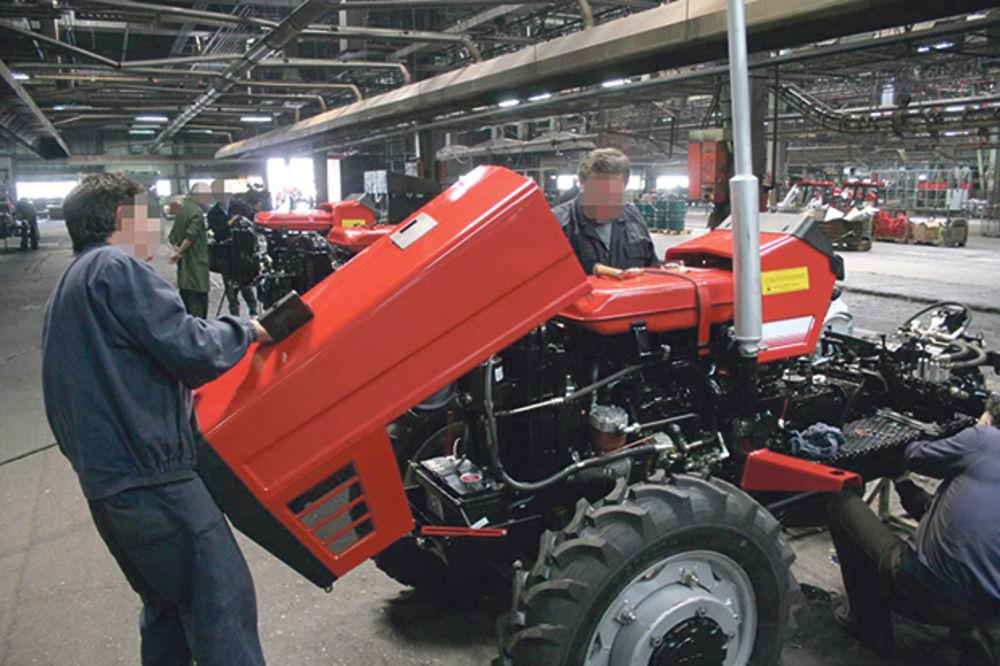 KO JE OPLJAČKAO IMT: Protest bivših radnika Industrije mašina i traktora
