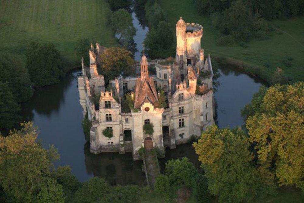 zamak-dvorac-francuska-foto-lifebuzz-1447100481-781111.jpg