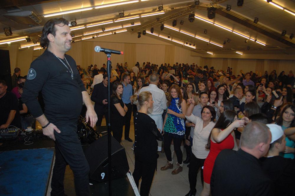 Specijalno iznenađenje Aca Lukas, Foto Stevo Grkinić