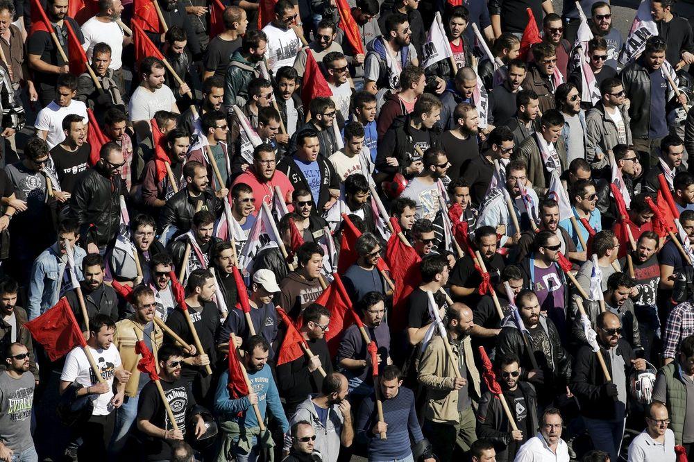KOMUNISTI PROTIV CIPRASA: Veliki protest u Atini zbog reformi penzionog sistema