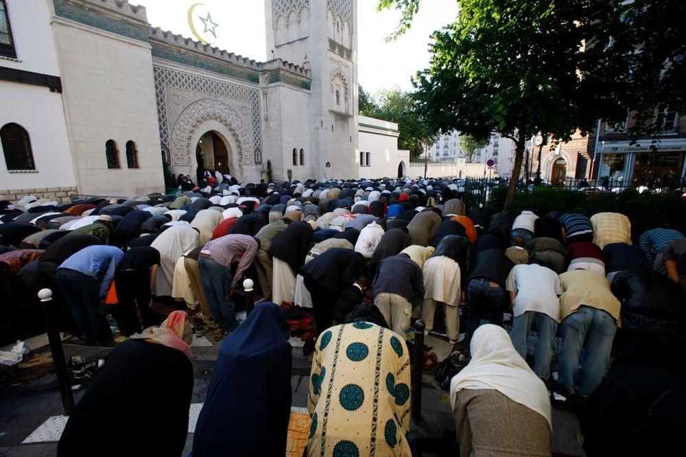 FRANCUSKA U STRAHU: Oko 2 000 tinejdžera radikalizovano propagandom Islamske države