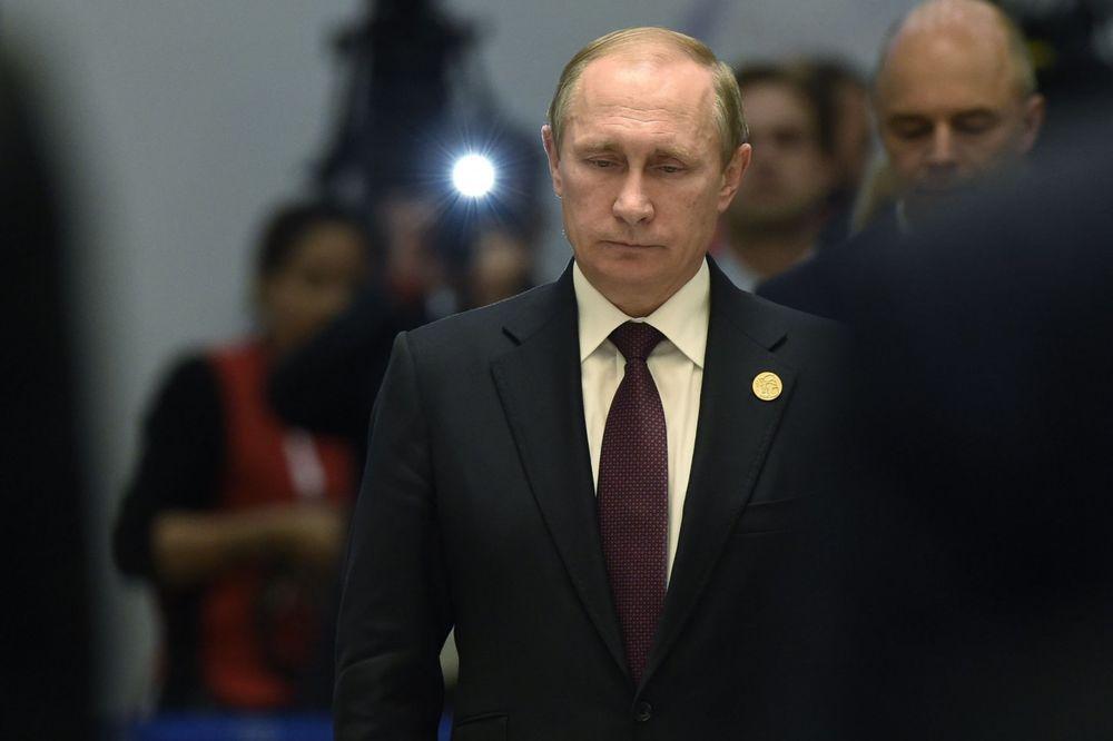 POVERLJIVA DOKUMENTA OTKRIVAJU: Kako je Džordž Soroš hteo da svrgne Putina i destabilizuje Rusiju!