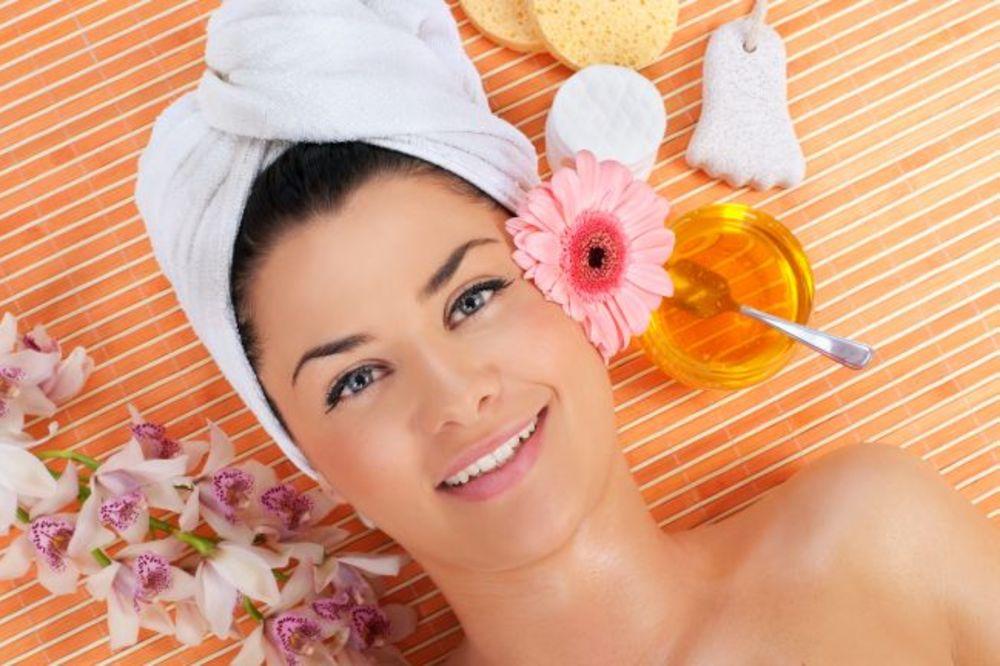SEMENKE OVOG VOĆA JE SPAS ZA ŽENE: Zateže kožu bolje nego bilo koji preparat!