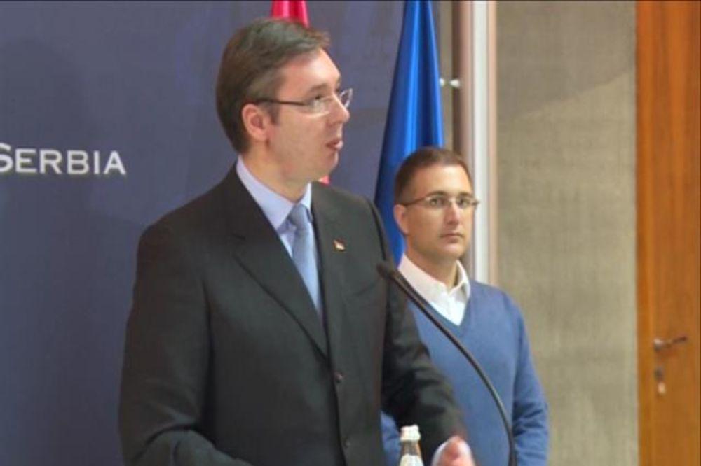 Vučić na vežbi Štit 2015: Otvorićemo dve nove fabrike vojne industrije