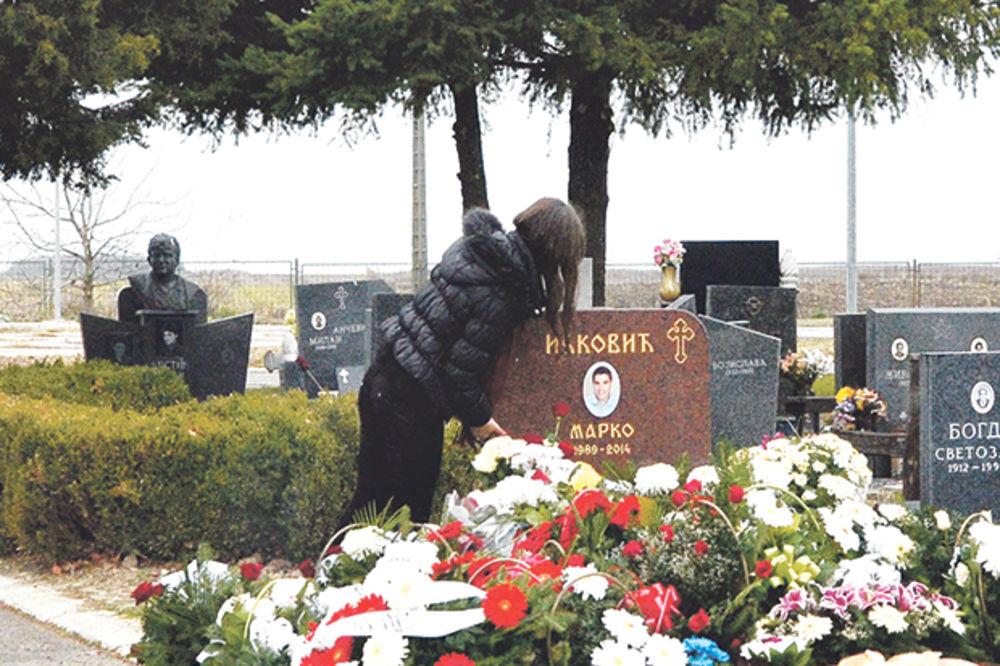 MORBIDNO Sa šalom na grobu: Navijači Galate koji su ubili Marka Ivkovića ni mrtvom mu ne daju mira