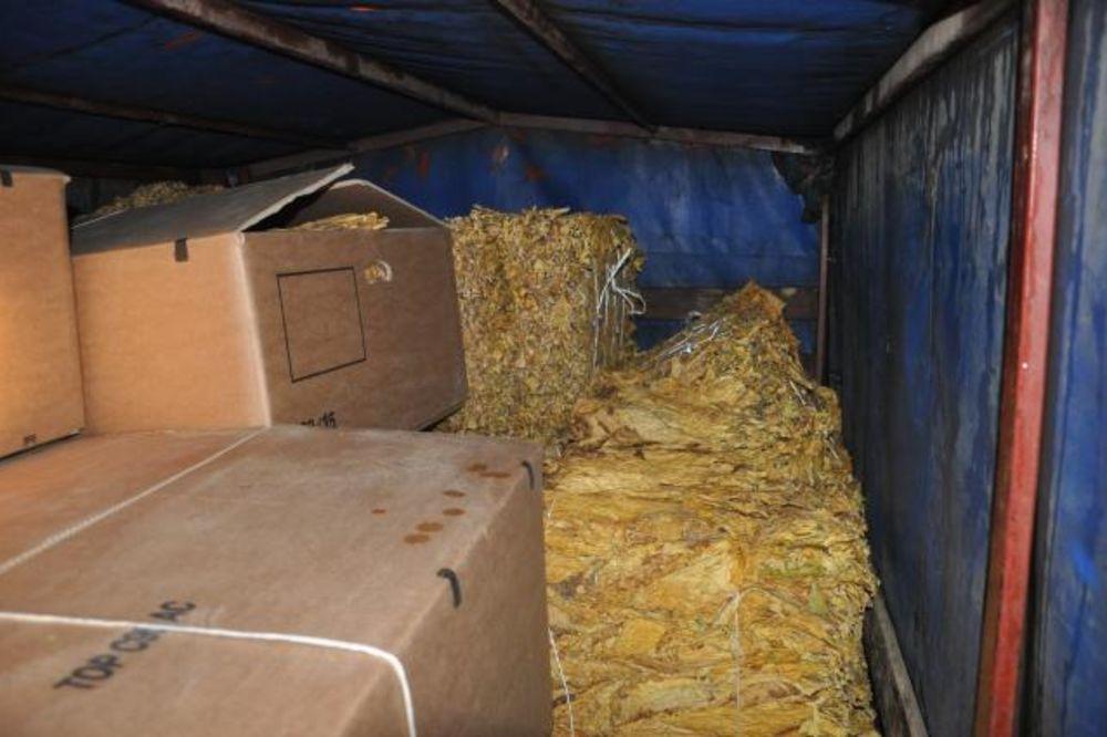 SMEDEREVO: Zaplenjen rezani duvan i švercovane cigarete vredne 150.000 dinara