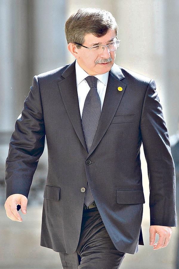 U nebranom grožđu... Ahmet Davutoglu