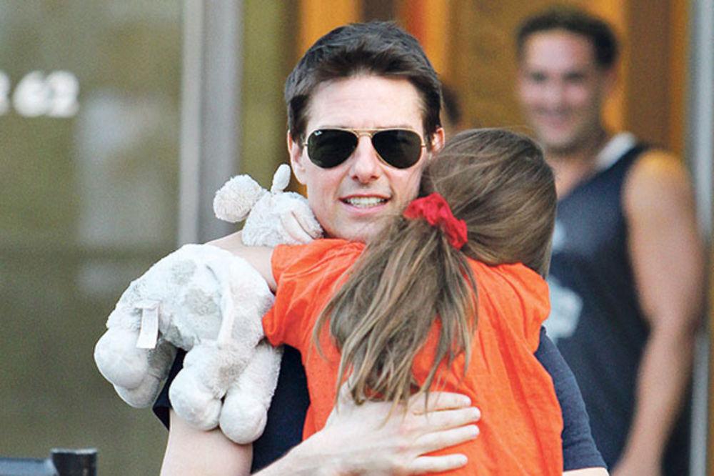 BRUKA: Sajentolozi Tomu Kruzu zabranili da viđa ćerku!