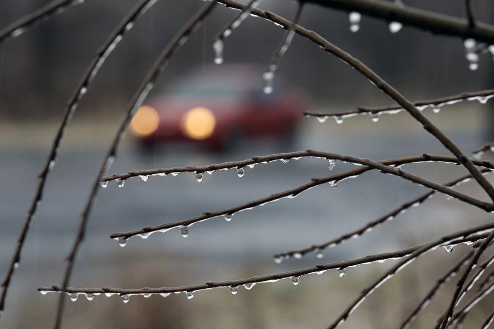 VOZAČI, SMANJITE GAS: Oprez zbog mraza i moguće poledice