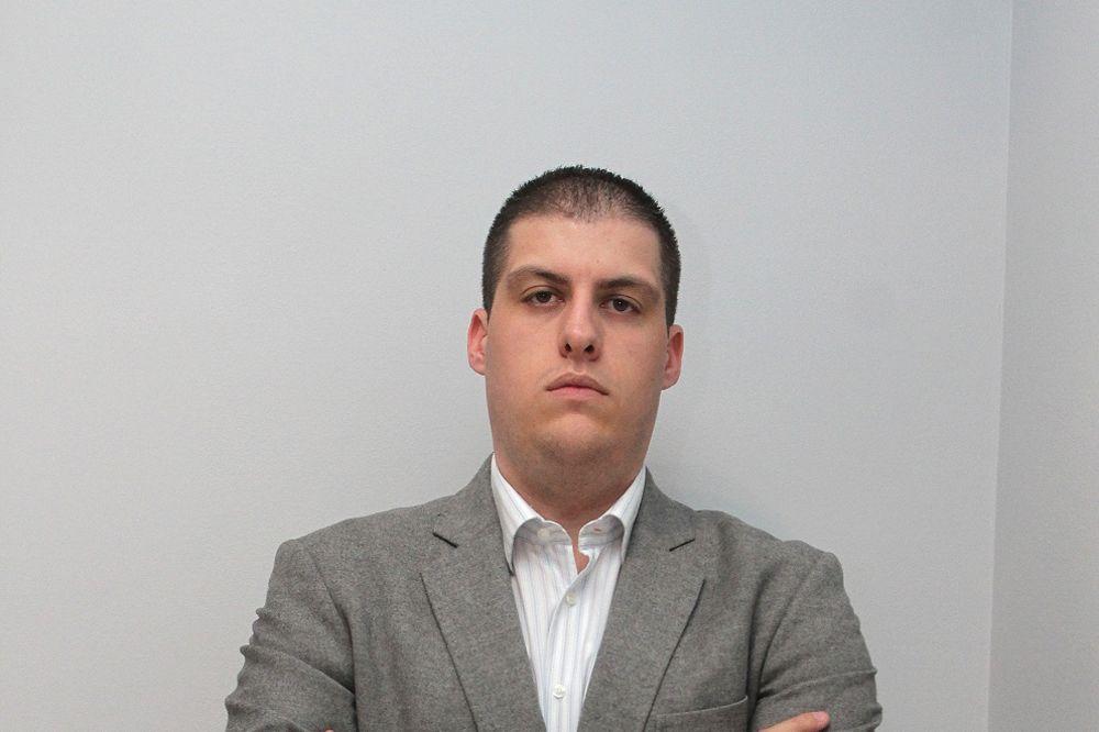NINIĆ: Dok dr Stefanović bestidno proganja medije, sve više policajaca spas vidi u samoubistvu