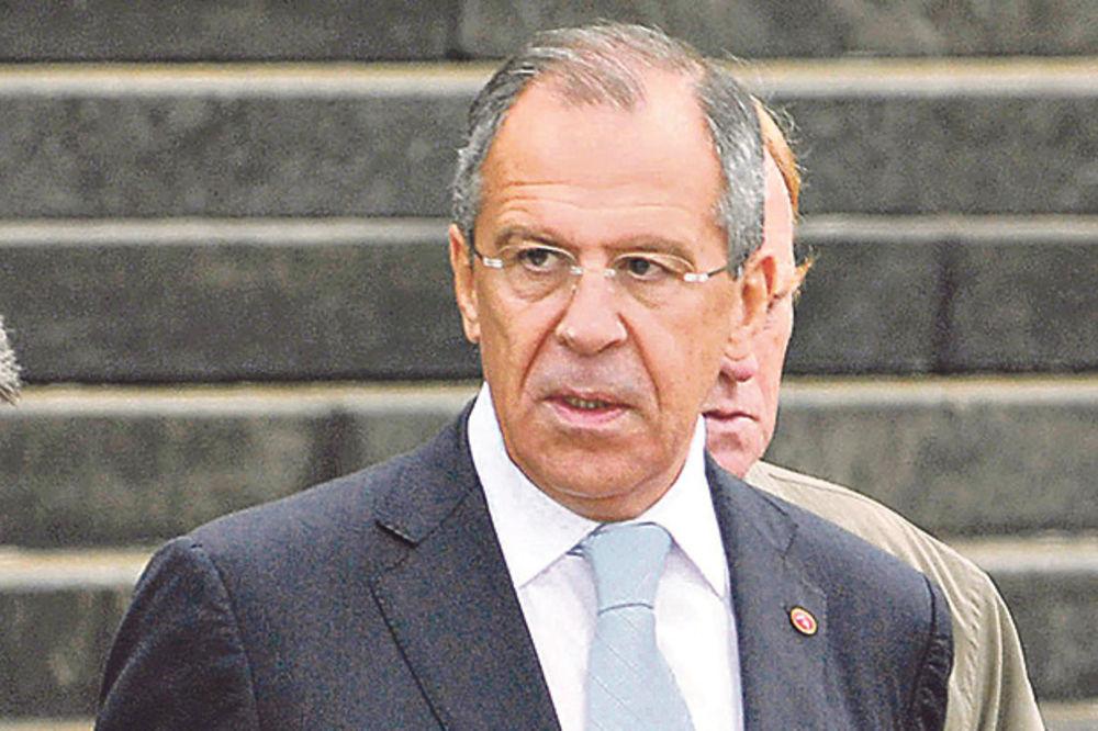 LAVROV: Turska u tajnosti pregovara sa Islamskom državom i planira upad u Siriju
