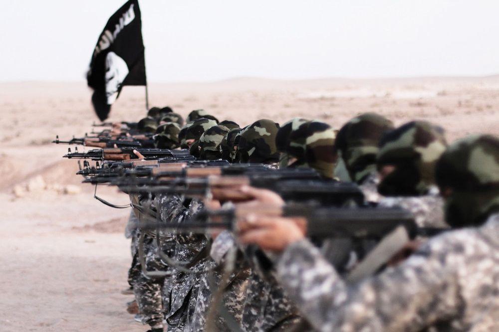 oružje, IS, ISIL, puške, teroristi, Foto: Profimedia