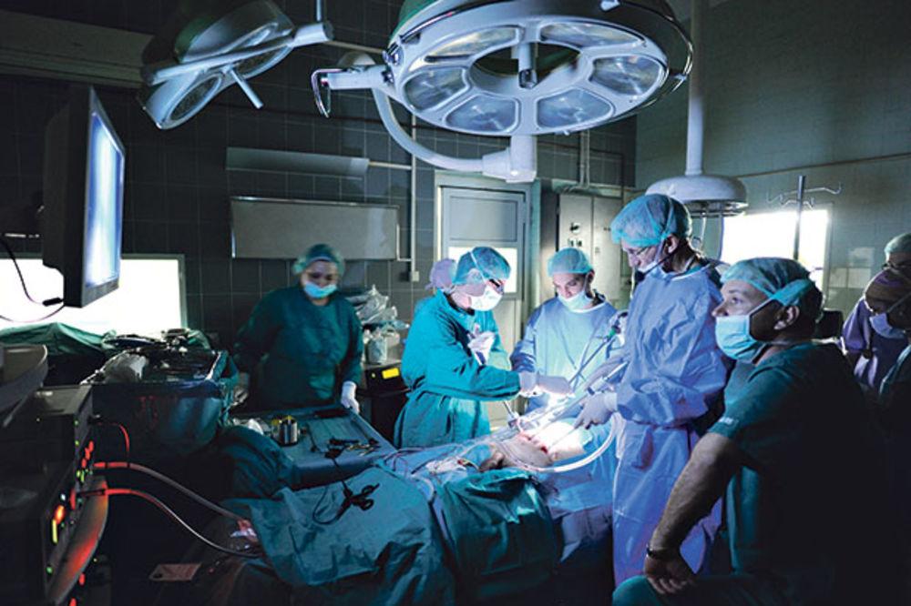 DR LAZIĆ: Vantelesna i operacije katarakte o trošku države i kod privatnika