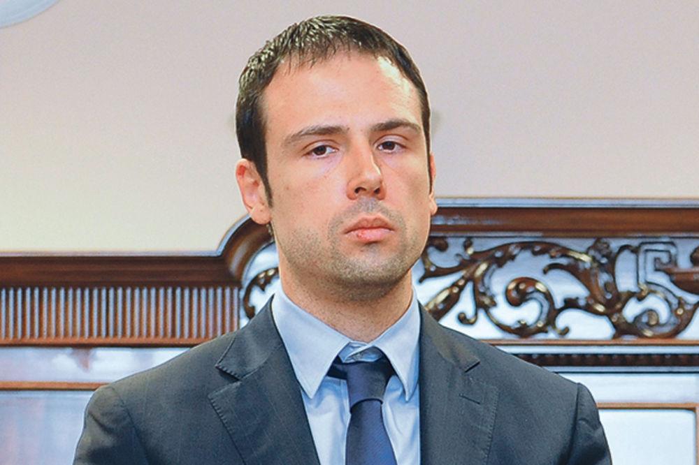 FARSA: Sekretar Vlade napravio puč u FK Partizan!