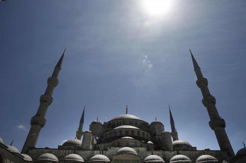 DŽAMIJA VREDNA MILIJARDU I PO DOLARA: Velelepna bogomolja u Alžiru imaće najviši minaret na svetu!