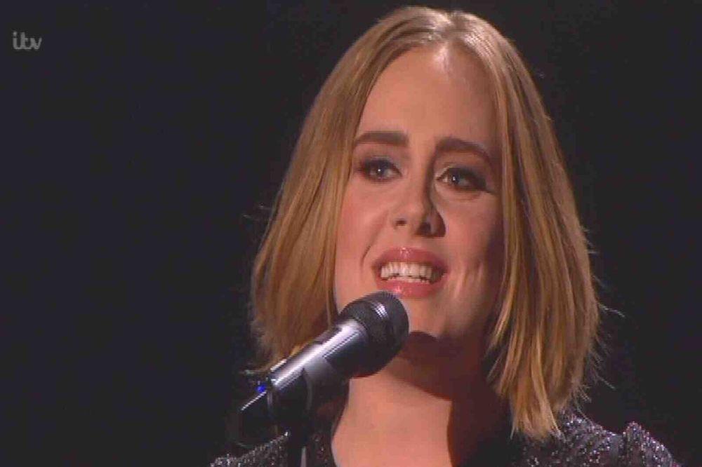(VIDEO) ŠTA SLUŠA KRALJICA RASKIDA? Adel je izdvojila 6 omiljenih pesama za slomljeno srce