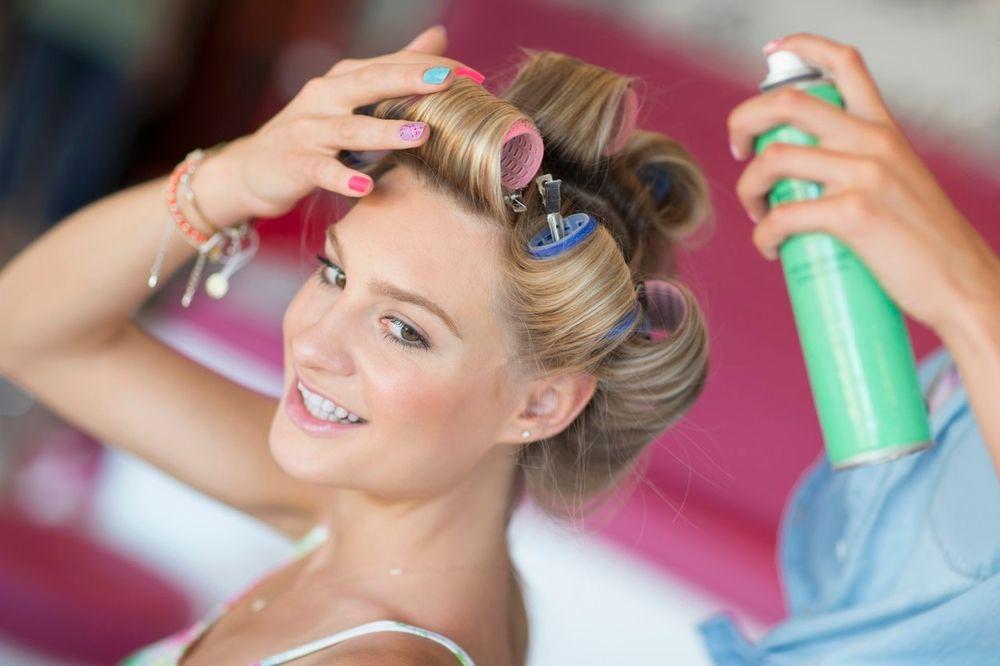 TRIKOVI ZA CELO DOMAĆINSTVO: Lakom za kosu osvežite cveće, očistite mastilo, odbijte bube...