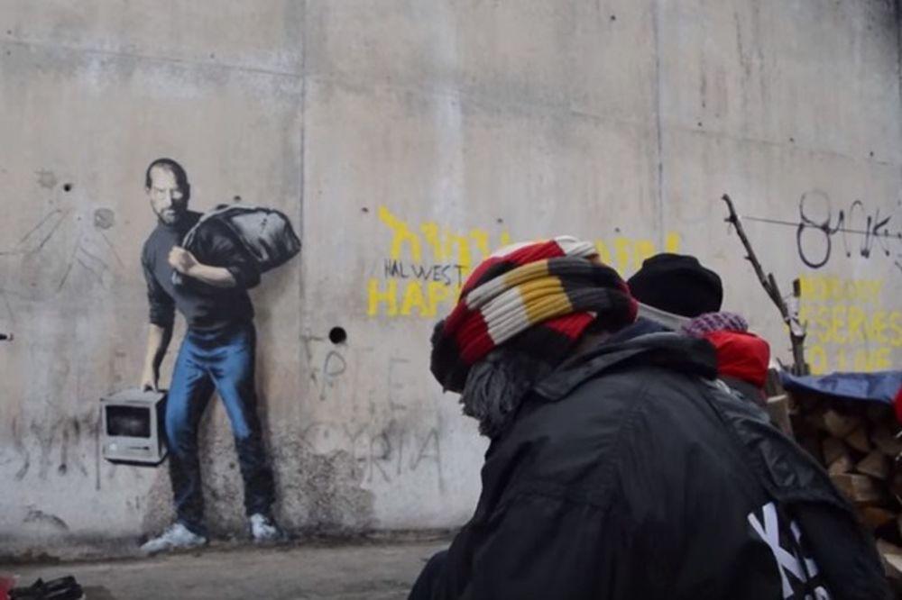 ČUVENI UMETNIK NACRTAO GRAFIT: Migranti ga prekrili krpom i naplaćuju gledanje