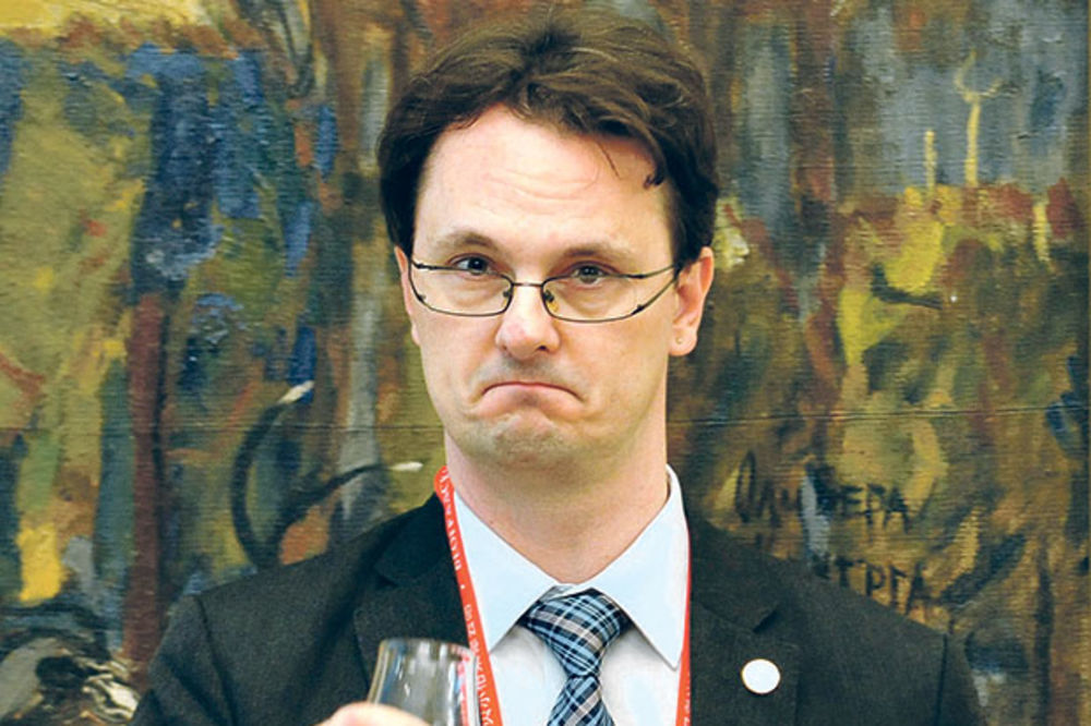 VERBIĆ PONUDIO OSTAVKU: Razlog poništavanje konkursa za naučna istraživanja