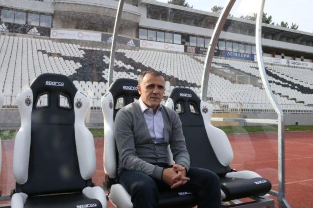 ZAHVALNICA CRNO-BELIH: Drulović je tokom rada u Partizanu uvek stavljao klupski, pre ličnog interesa