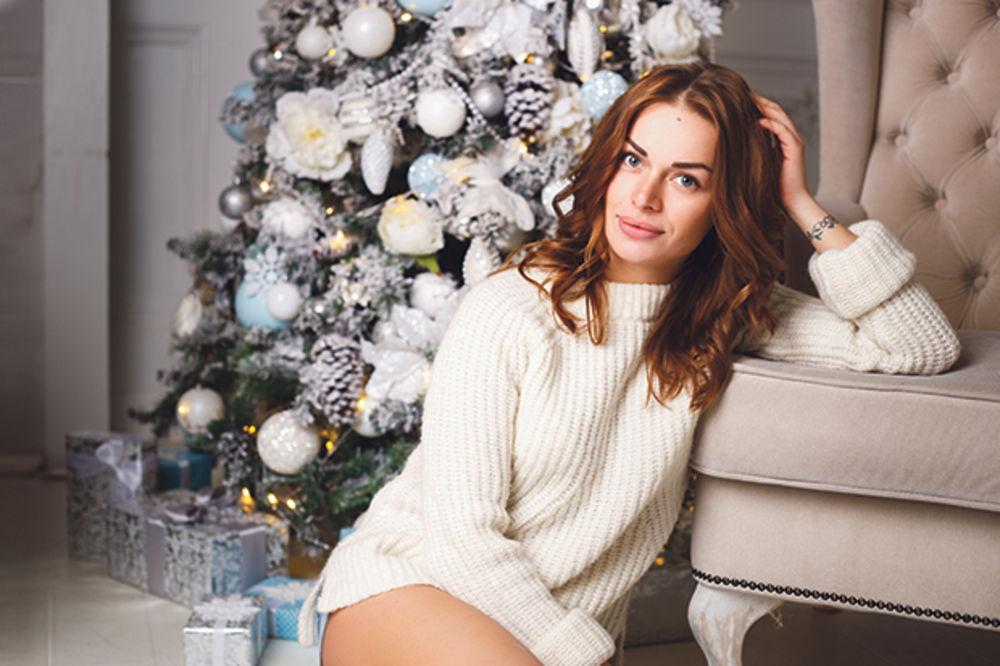 Devojka, Nova godina, slavlje foto Shutterstock