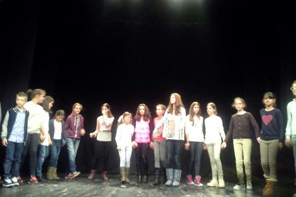 NASTUP MLADIH TALENATA: Održan prvi javni čas u Omladinskom pozorištu Dadov