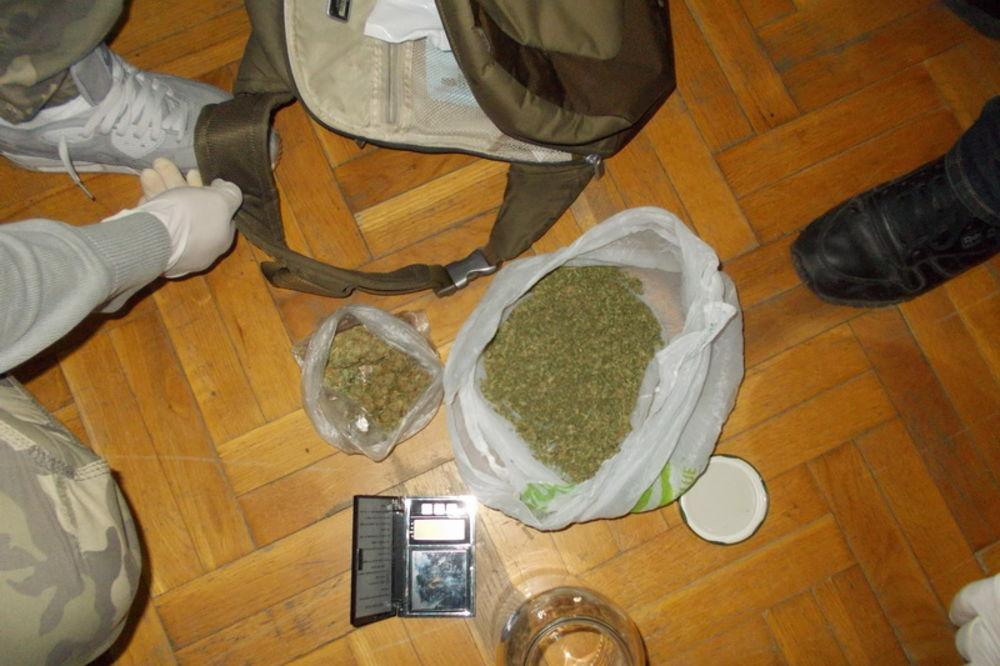 HAPŠENJE U NS: Zaplenjeno kilogram amfetamina