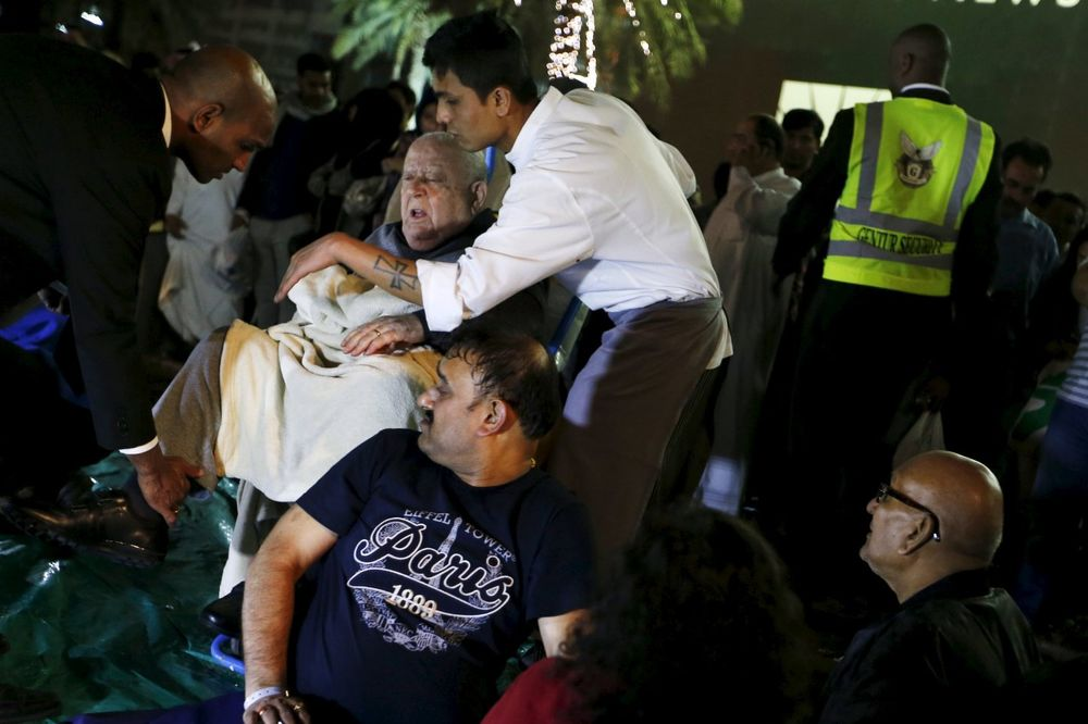 Spasiocima je trebalo vremena da evakuišu sve ugrožene iz hotela (Foto: Reuters)
