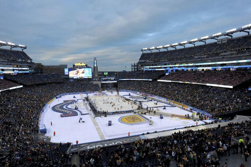 (VIDEO) ZIMSKI KLASIK: Hokejaški spektakl odigran na otvorenom pred 67.246 gledalaca