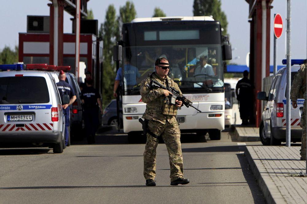 NAORUŽAN KRENUO U SRBIJU: Austrijanac sa dva pištolja i mecima uhapšen u Mađarskoj!