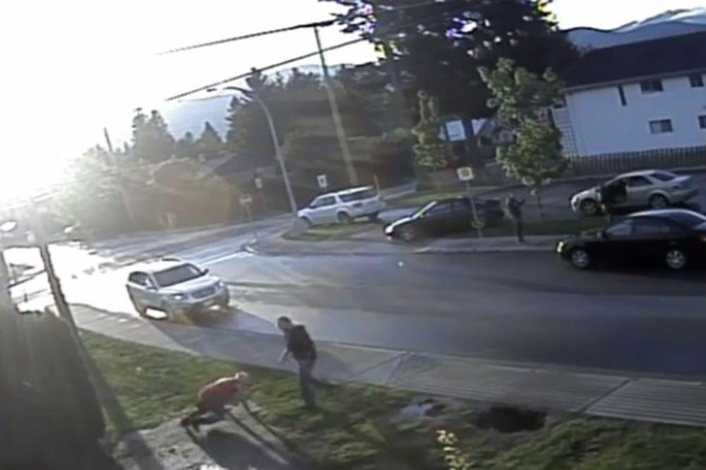 (VIDEO) ČARI SIGURNOSNE KAMERE: Ono što se u ovom komšiluku dešavalo zaprepastilo je mnoge
