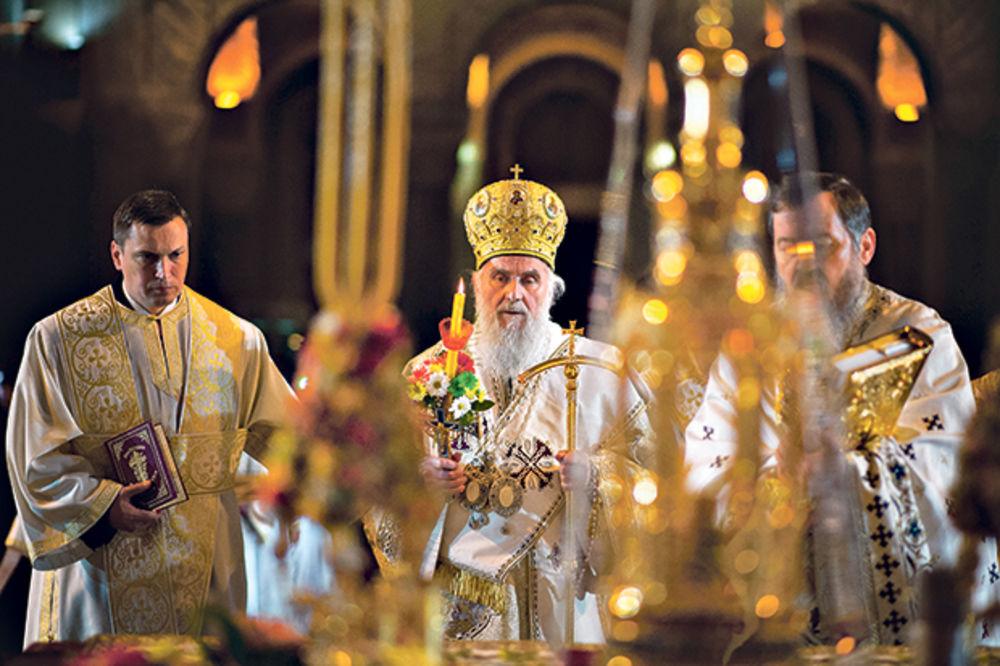 BOŽIĆNA POSLANICA SPC: Izmirimo se s Bogom da bismo imali mir s braćom