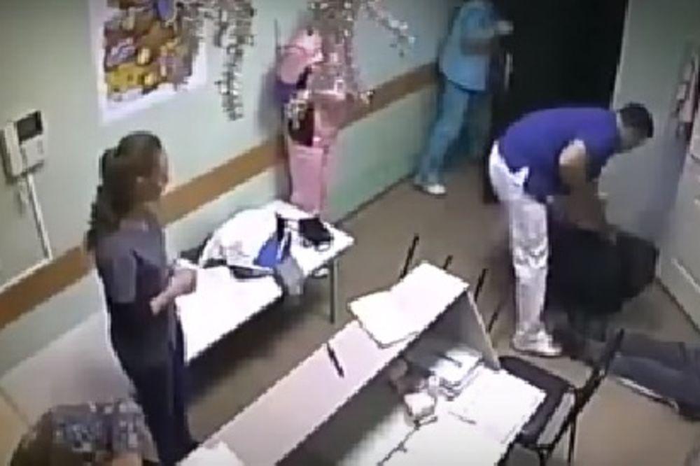 (VIDEO) ŠOKANTNI SNIMAK: Doktor udario pacijenta u glavu koji je kasnije i preminuo!