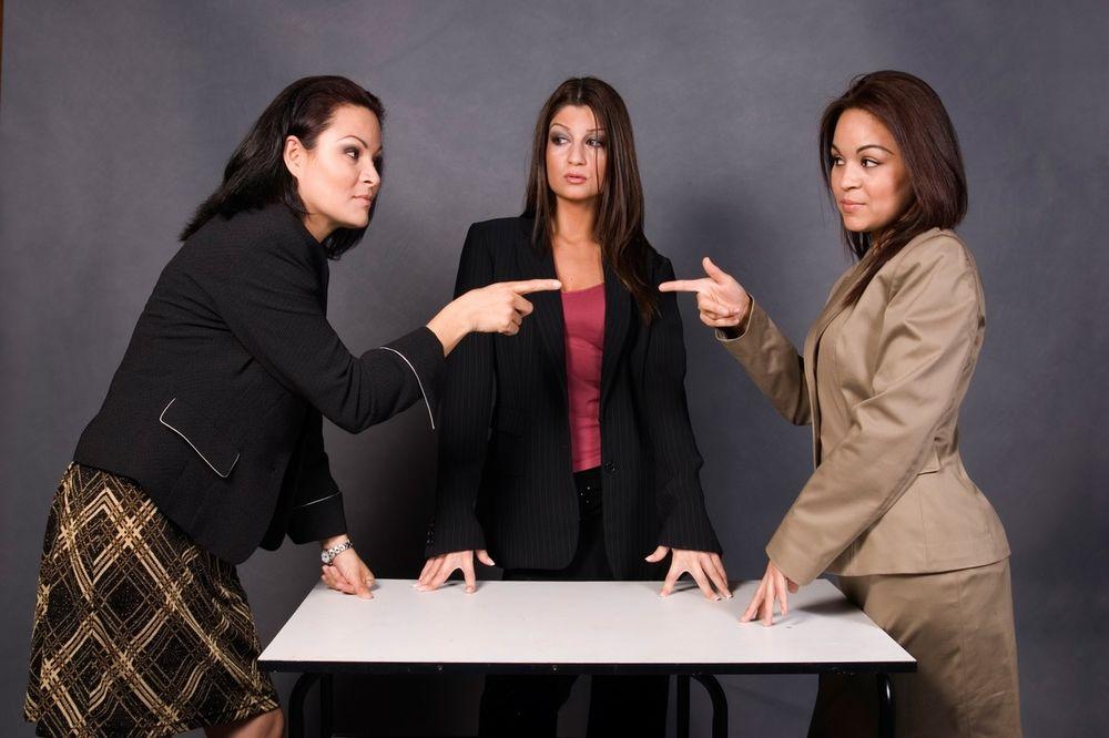 BUNTOVNIK ILI SI BAŠ FINA: Kojoj grupi devojaka pripadaš?