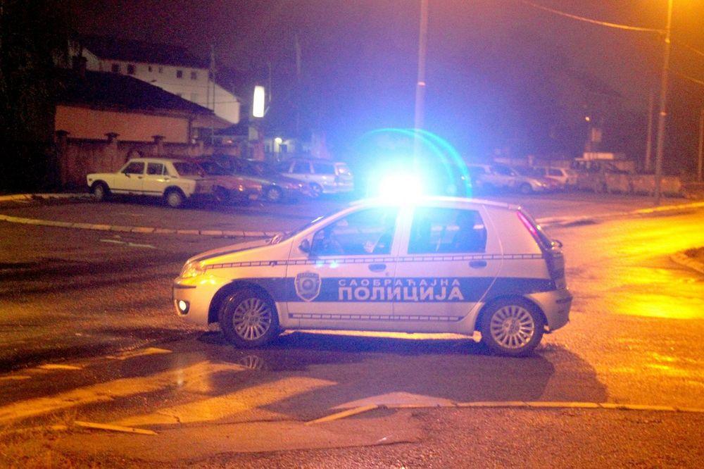 OPŠTA TUČA POSLE SAOBRAĆAJKE: Taksista oborio pešaka na Terazijama, pa nastao haos!