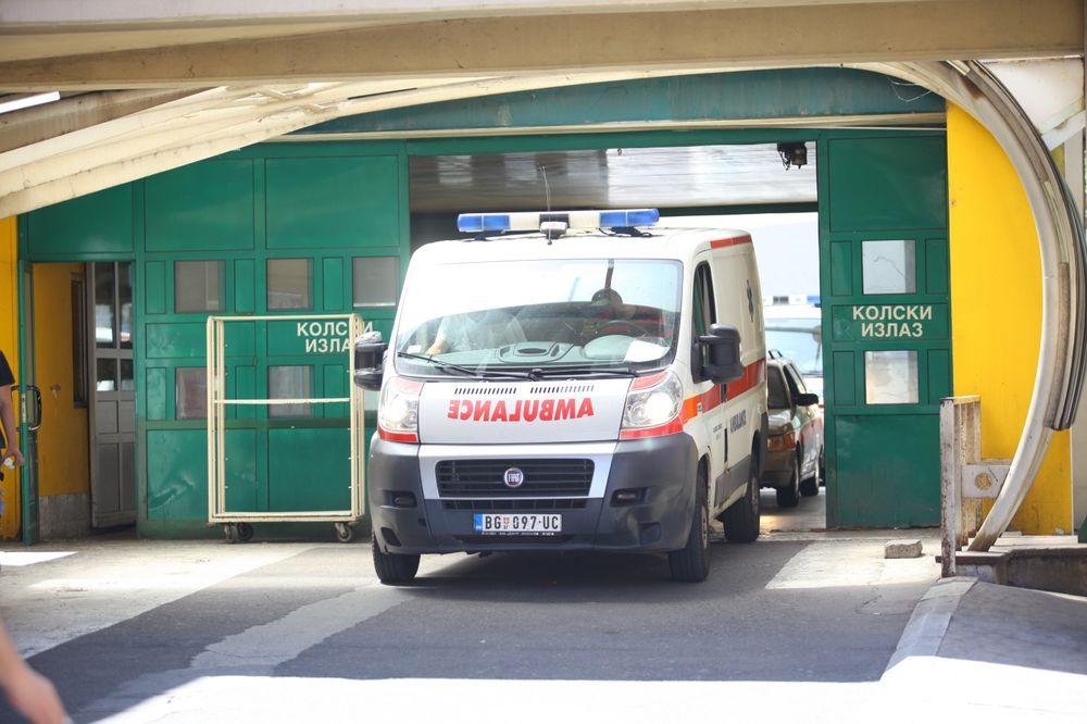 TEŠKA NESREĆA U NOVOM BEOGRADU: Vozač pikapa poginuo u sudaru sa autobusom 68, povređeno 5