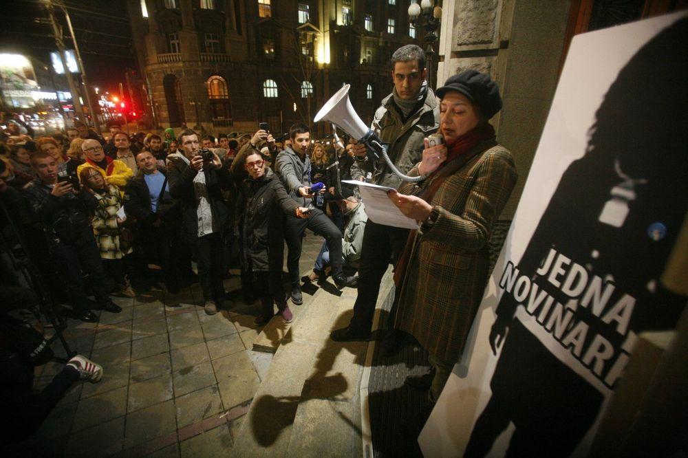 protest, novinari ne kleče, Beograd Foto: Aleksandar Jovanović