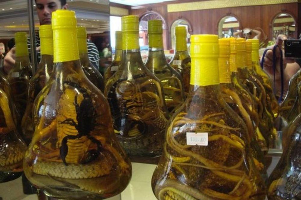 HRVATI OSTALI BEZ KINESKE VIJAGRE: Zagrepčanka švercovala flaše afrodizijaka sa zmijama i škorpijama