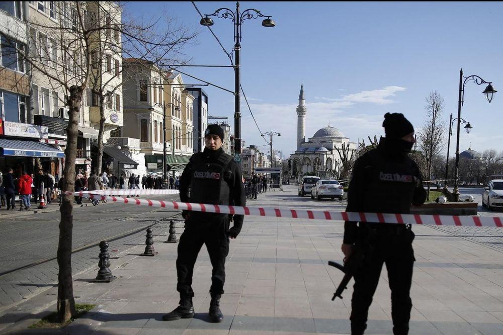 NERVOZA PRED DRŽAVNI PRAZNIK: Turske službe strahuju od napada islamista i Kurda