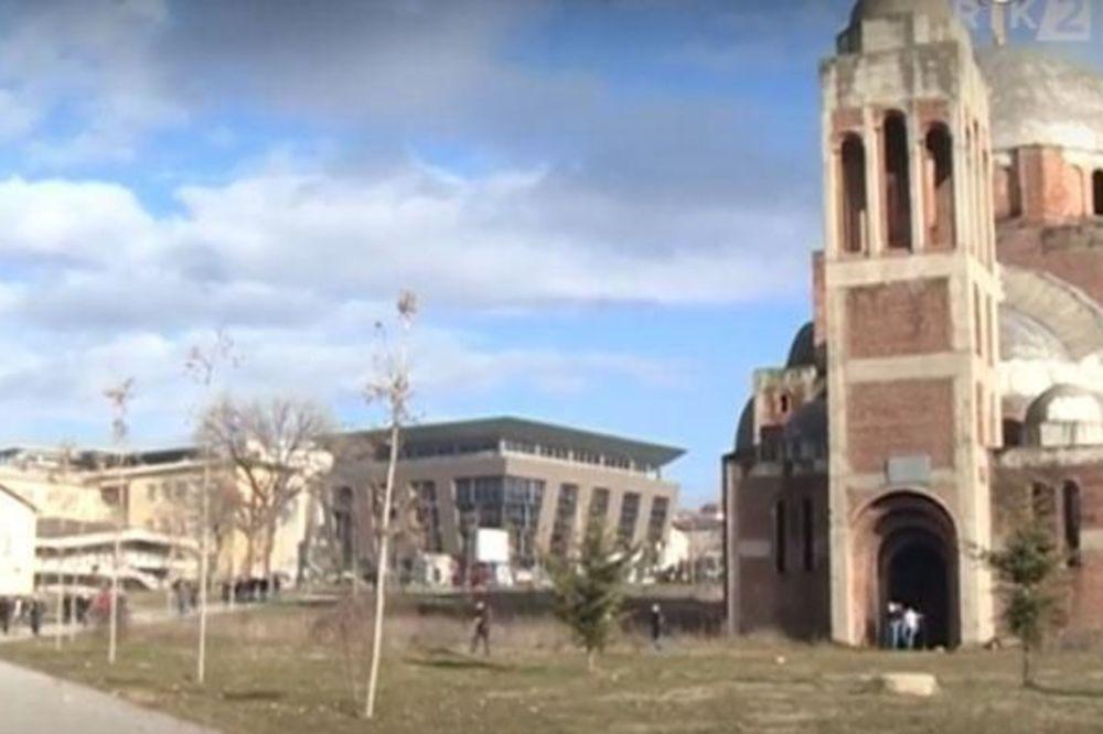 PRIŠTINA: Albanci zavarili vrata na Hramu Hrista Spasa