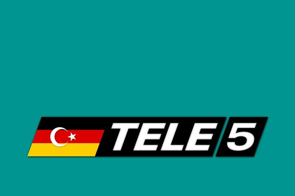 ISLAMSKA REPUBLIKA NEMAČKA: TV stanica postavila islamski polumesec i zvezdu na nacionalnu zastavu