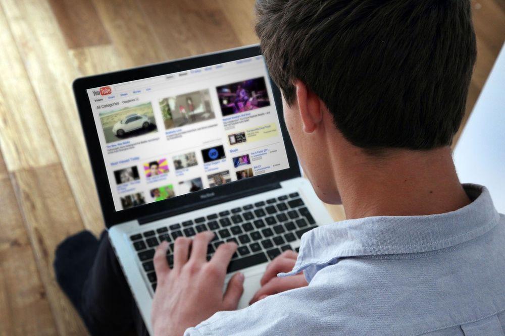 (VIDEO) POBOLJŠAJTE ISKUSTVO: Ovaj dodatak promeniće zauvek način na koji koristite Jutjub