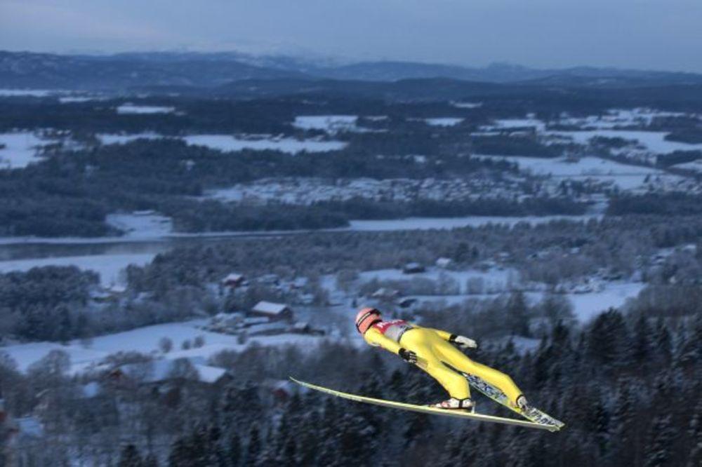 (VIDEO) ŠOKANTNA VEST: Austrijski ski skakač posle pada ostao paralizovan
