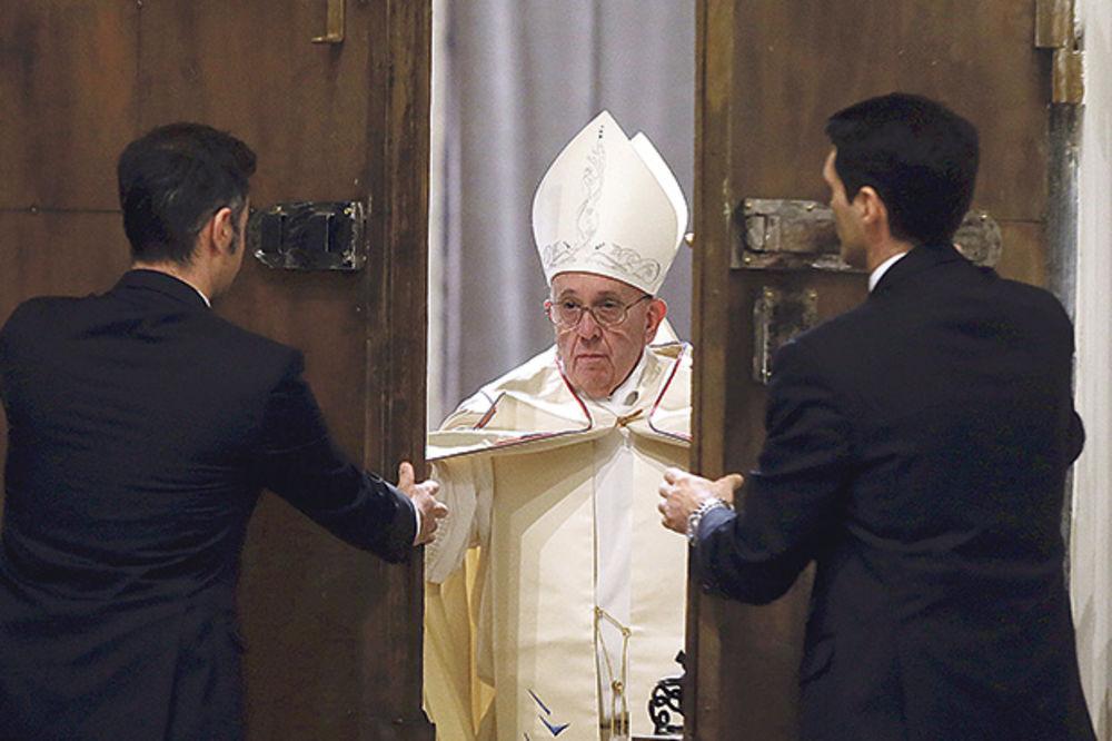 ŠTA KRIJE STARO PROROČANSTVO: Zašto papa Franja poziva Evropu da sa izbeglicama podigne natalitet?