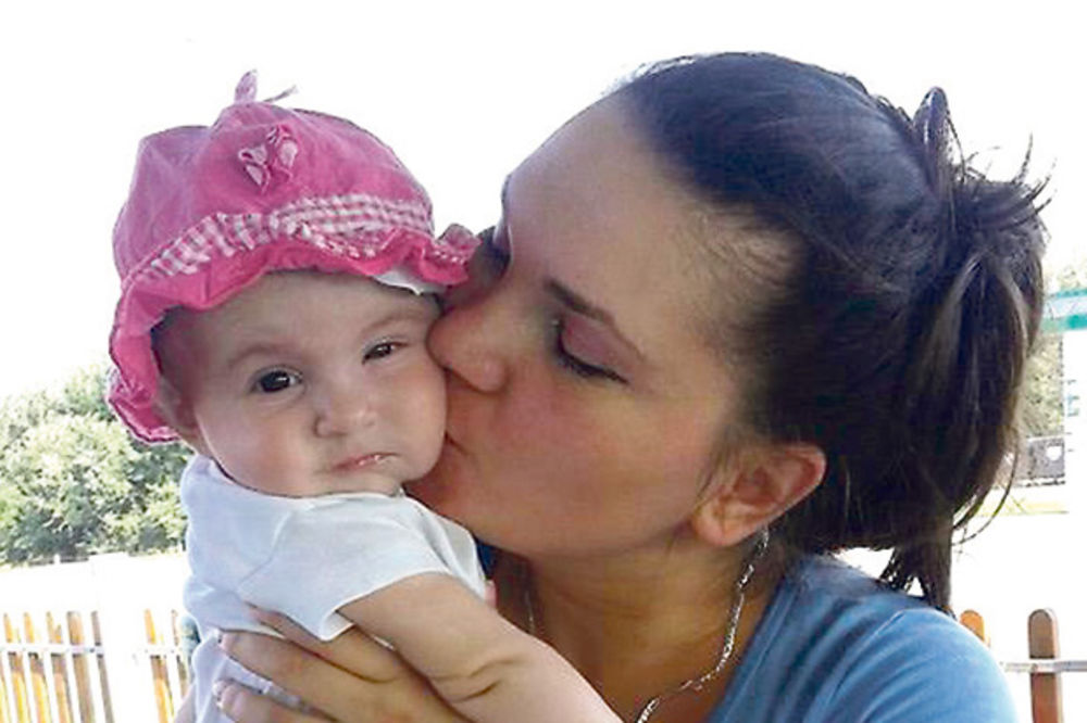 Hitno potrebna pomoć... Andrijana sa mamom
